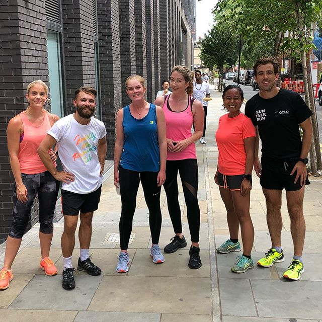 POSSIBLY our sweatiest @runtalkrun  Old Street to date, definitely earned our lunches! 🙌🏼🥳😅 ⠀⠀⠀⠀⠀⠀⠀⠀⠀ Big high 5 to all you guys who came out today, quite the troop of lovely folk 🙃🙋🏼‍♂️💁🏼‍♀️🕺🏾💃 ⠀⠀⠀⠀⠀⠀⠀⠀⠀ See you next week, 12.30pm @wework Mark Square and 12.40pm WeWork Corsham Street 👌🙌🏼🥳 ⠀⠀⠀⠀⠀⠀⠀⠀⠀ #runtalkrun #talking #support #friends  #runners #race #notarace #summer #ukrunners #fitness #runchat #ukrunchat #worldrunners #instarun #instarunners #runnersofinsta #runnersofinstagram