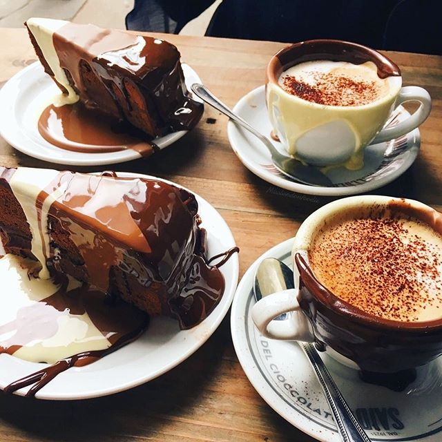 Reading and adventures are the best excuses to hunt down new cafes. We're loving @saiddal1923uk in London... chocolate heaven! 🙌  Which cafes do you love to read in? • @misslondonfoodie Welcoming autumn with warm & chocolaty hugs🤗✨☕️🍫🍂 #mondaymotivation #adventurebookclub #adventurebook #adventuremindset #bookclub #bookstagram #booksthatmakeyouthink #inspiringreads #cafegram #mindset #lunchtimereading #readoutside #outsideread #booksuggestions #bookrecommendations #alpinebabes #womenwhorun #thisgirlcan #outdoorwomen #thisgirlreads #readingwoman #londonbooks #outdoorlife #bristolbloggers #londoncafe #freelancerlife #freelance #digitalnomadlifestyle