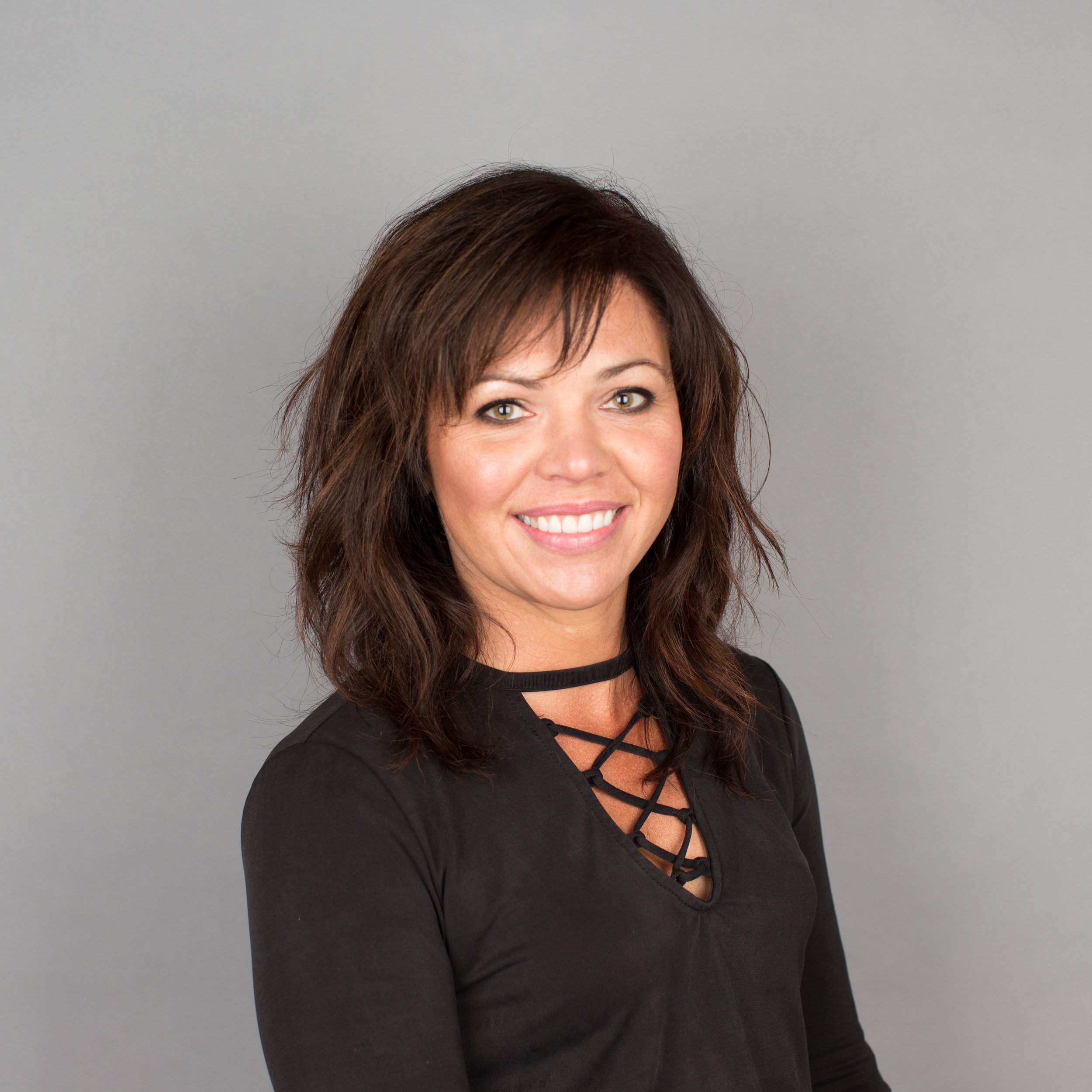 JESSICA OLSON     stylist