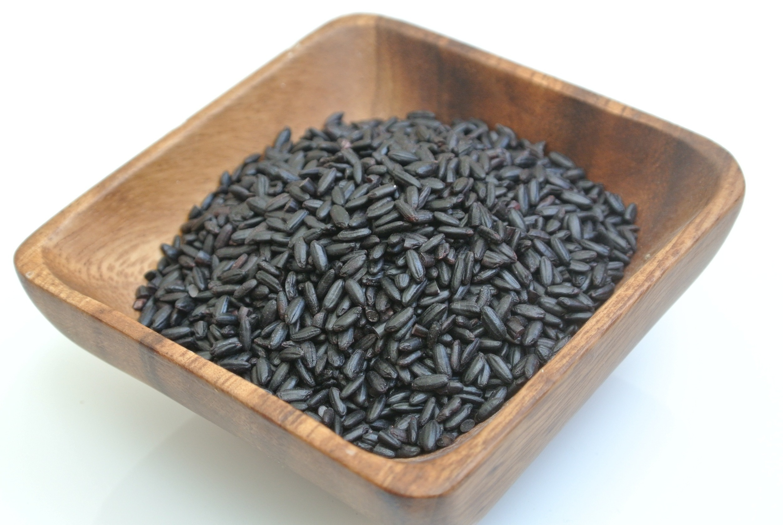 Black Rice      is one of the ancient rices that  the grain was served exclusively by the Emperors of China to bring youth and longevity.