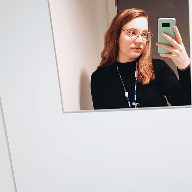 An ode to the humble mirror selfie