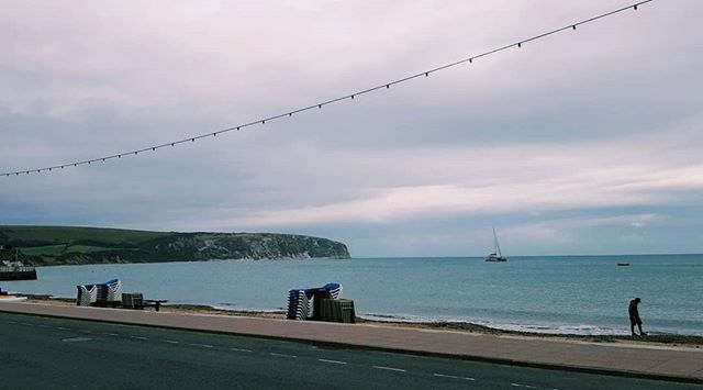 I definitely have a soft spot for the stormy British seaside 🌟  Back from a very wet trip to Dorset and now in the final countdown to moving. 11 days to go.