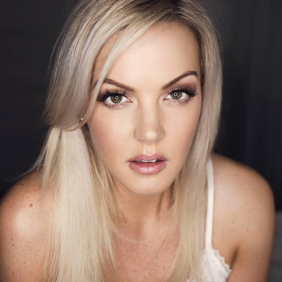 Stephanie Nelson headshot 3.jpg
