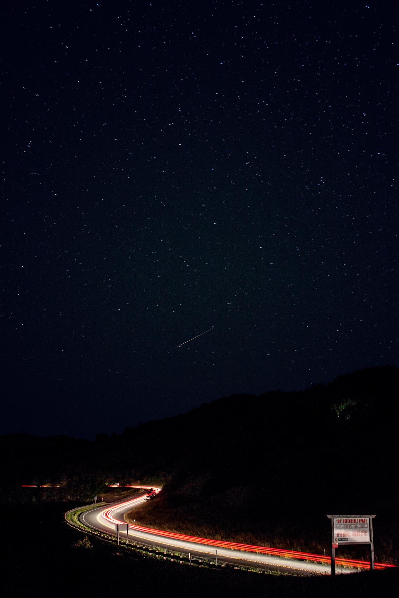 berry_summit_perseid_meteor_5820-2.jpg