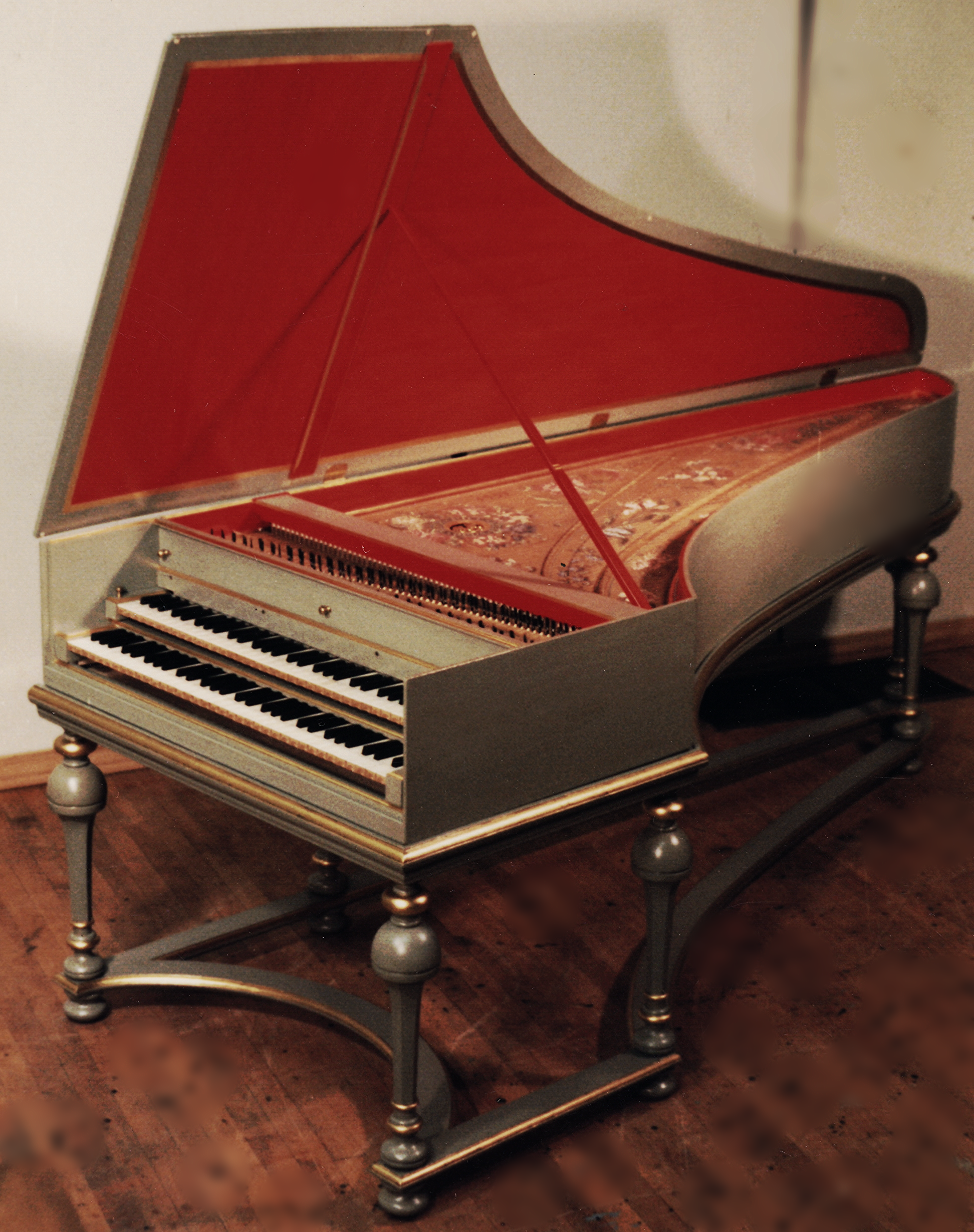 Harpsichord inspired by the 1 7 2 8 Christian Zell in Hamburg germany my opus 2 2 0 made in 1 9 8 7 for edward Parmentier in ann arbor, michigan
