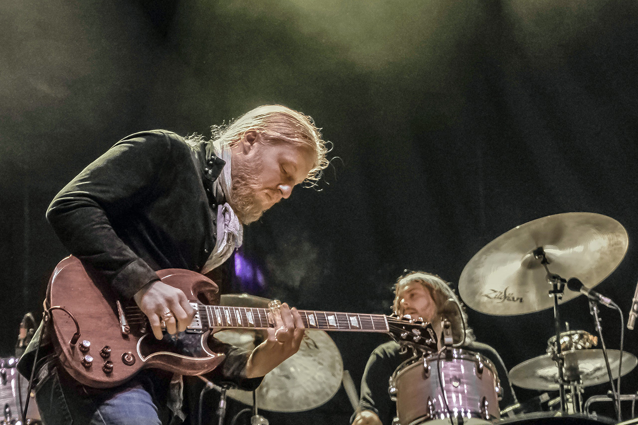 TEDESCHI TRUCKS BAND // Derek Trucks  Phases of the Moon Art & Music Festival   © Mandy Pichler 2019