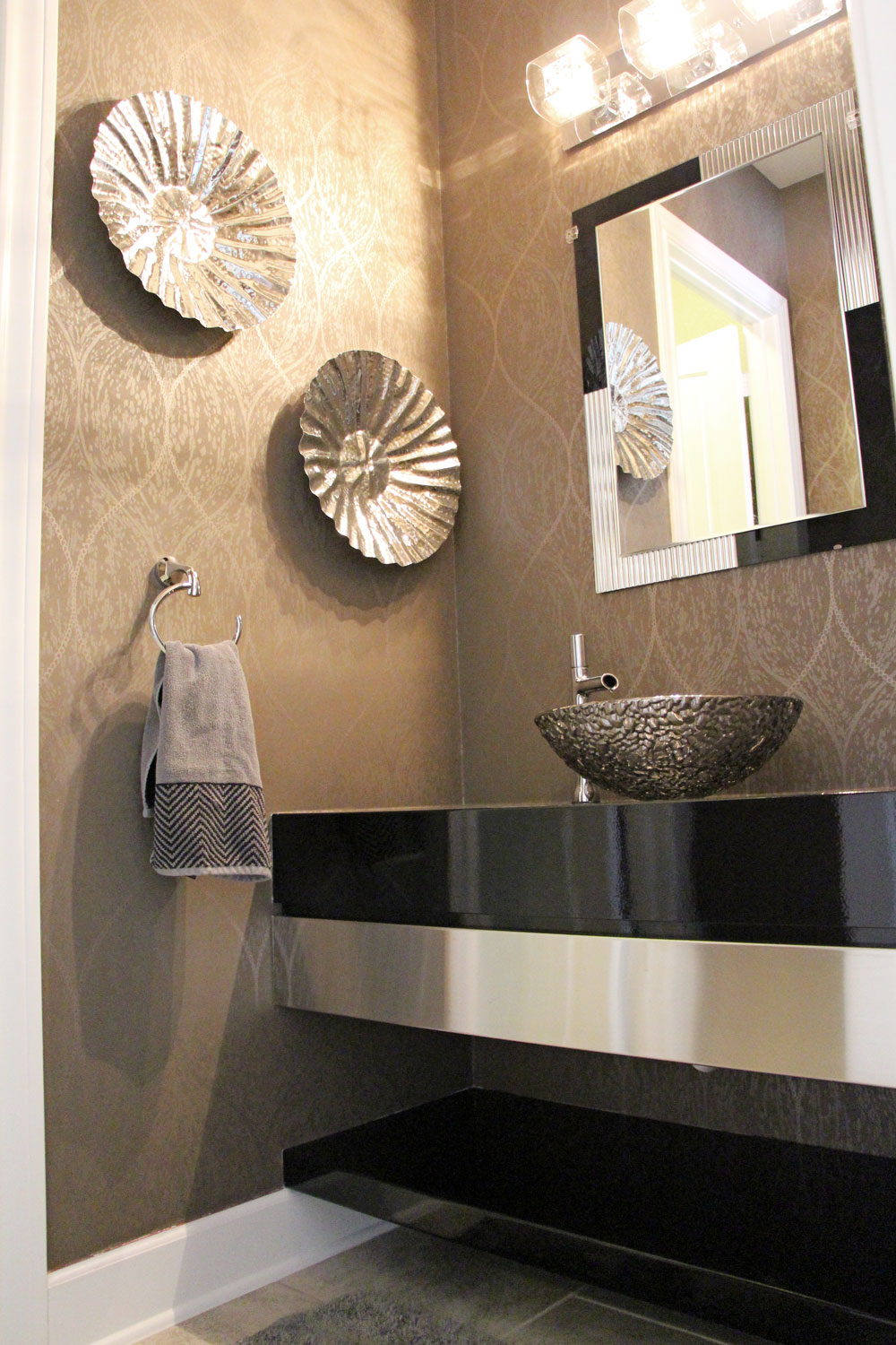 Liz-Light-Interiors-Bathroom-1.jpg