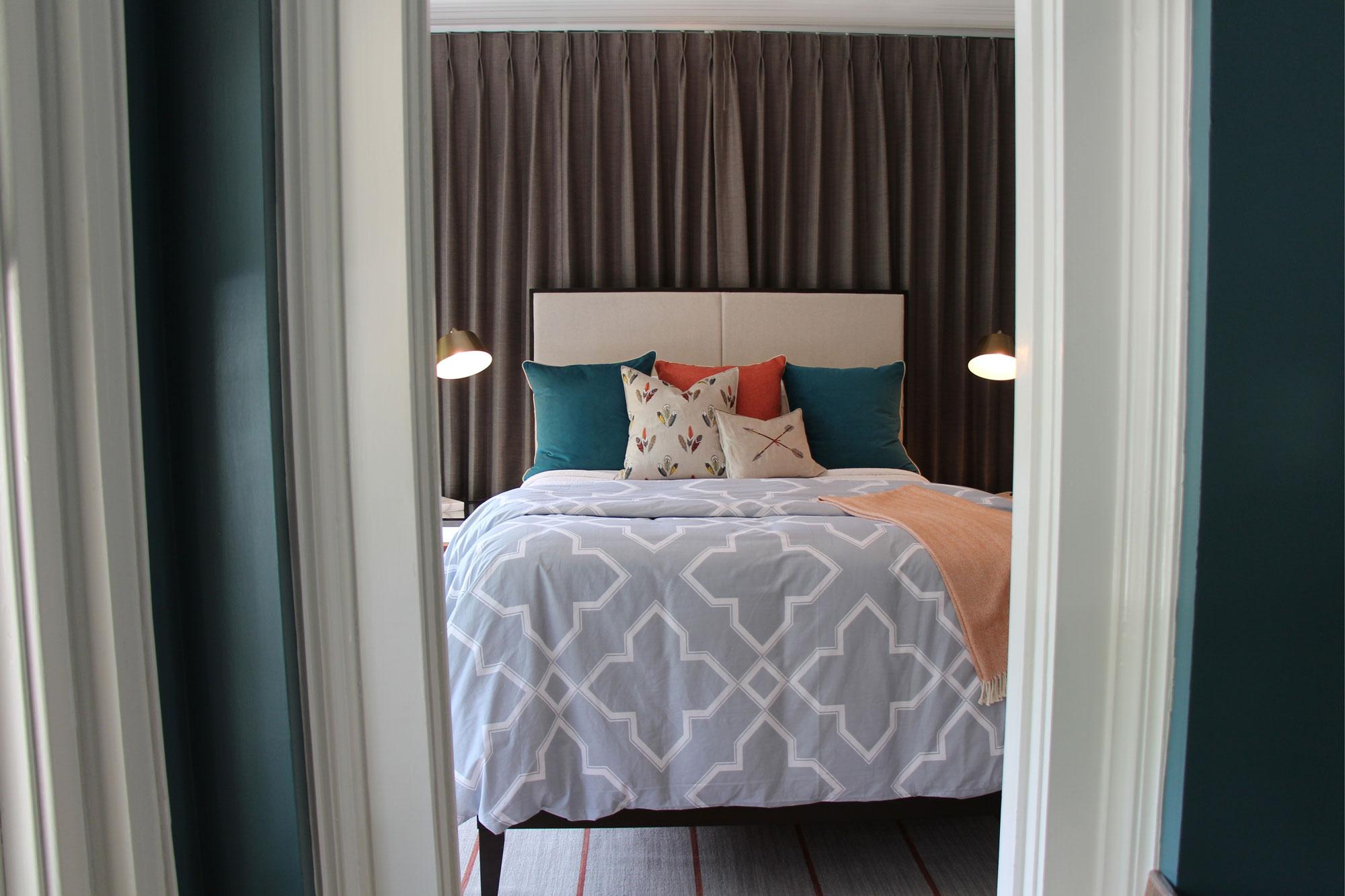 Liz-Light-Interiors-Bedroom-12.jpg