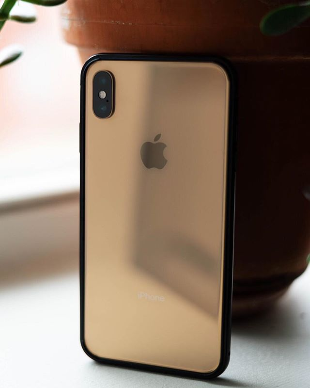 An @apple a day keeps malware away 🍎 #iphoneX #apple #macintosh