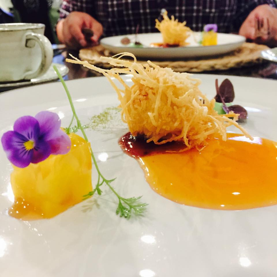 The mango pudding was very tasty. The shell of the scallop was crunchy.