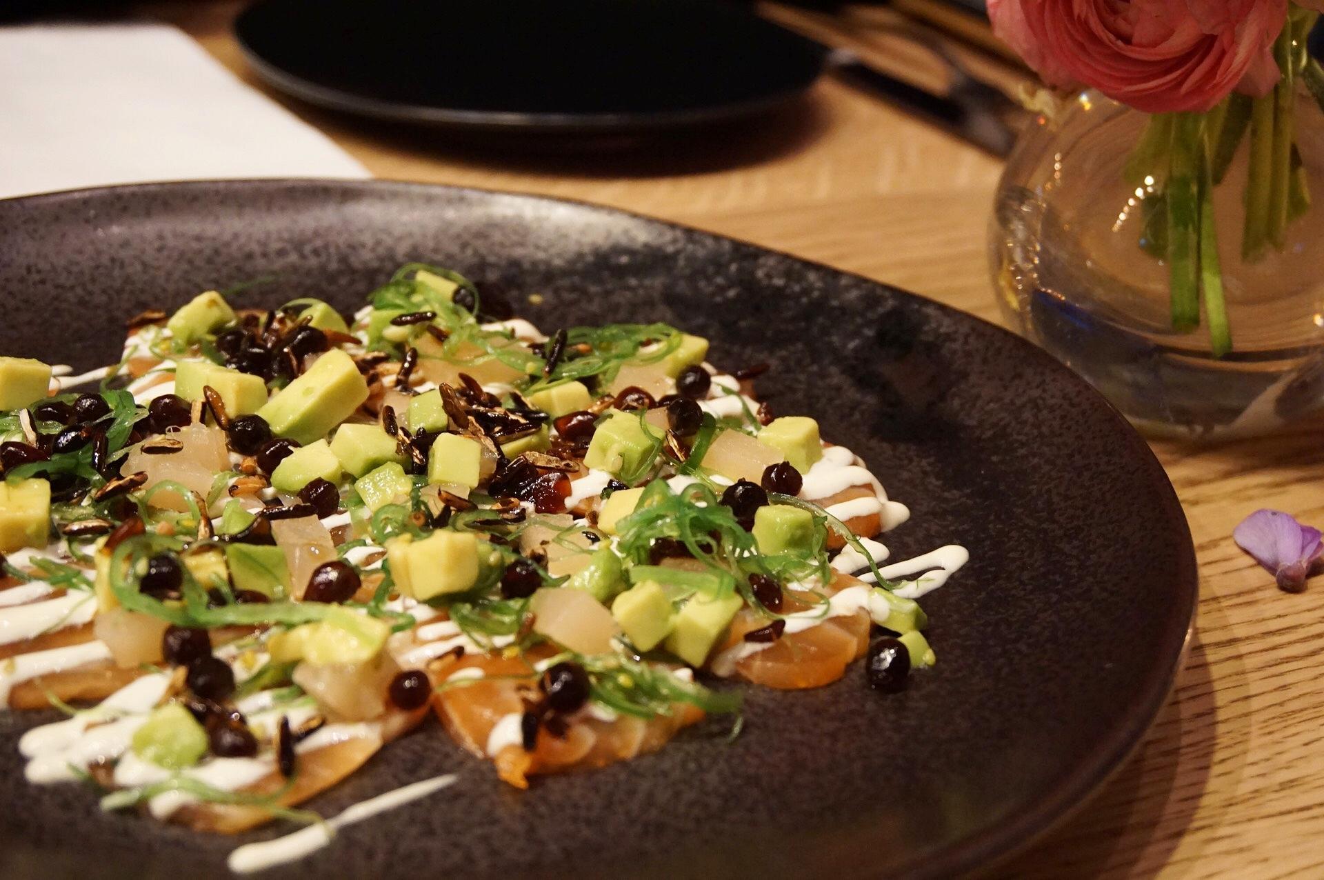 Tasmanian salmon sashimi, yuzu mayonnaise, pickled ginger, avocado, wakame, soy