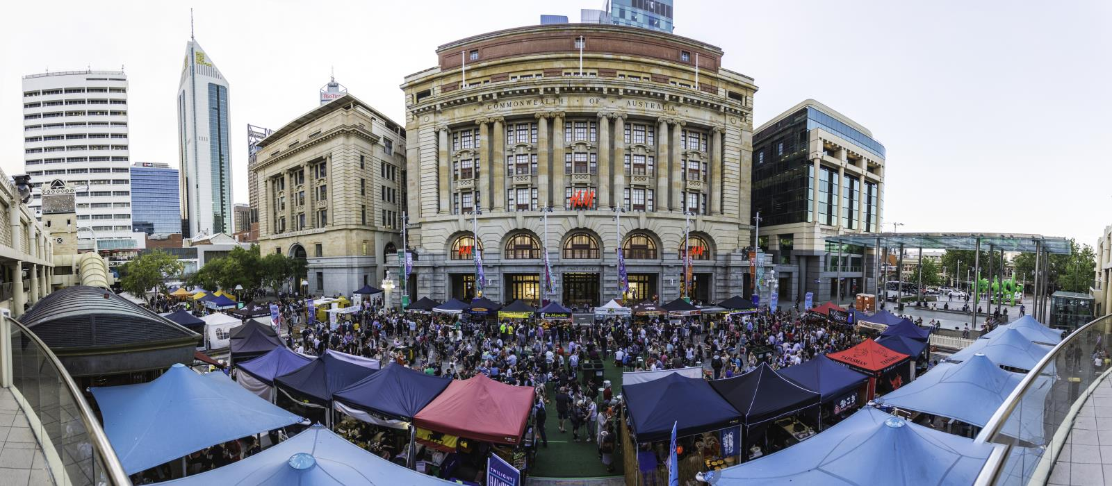 Twilight Hawkers Market - 35 stalls to visit!