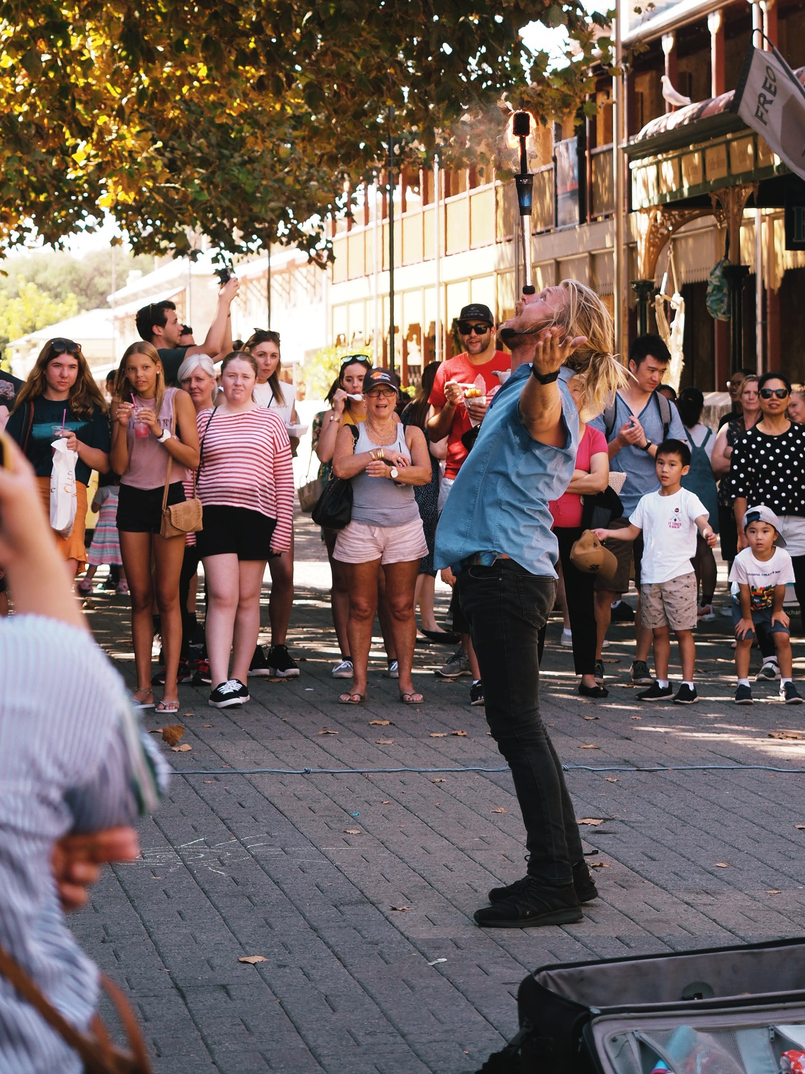 Weekly performance outside of Fremantle Market