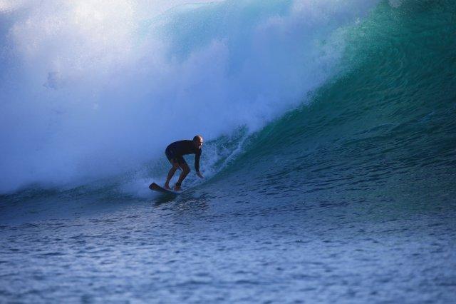 phoca_thumb_l_surfing legend 1.JPG