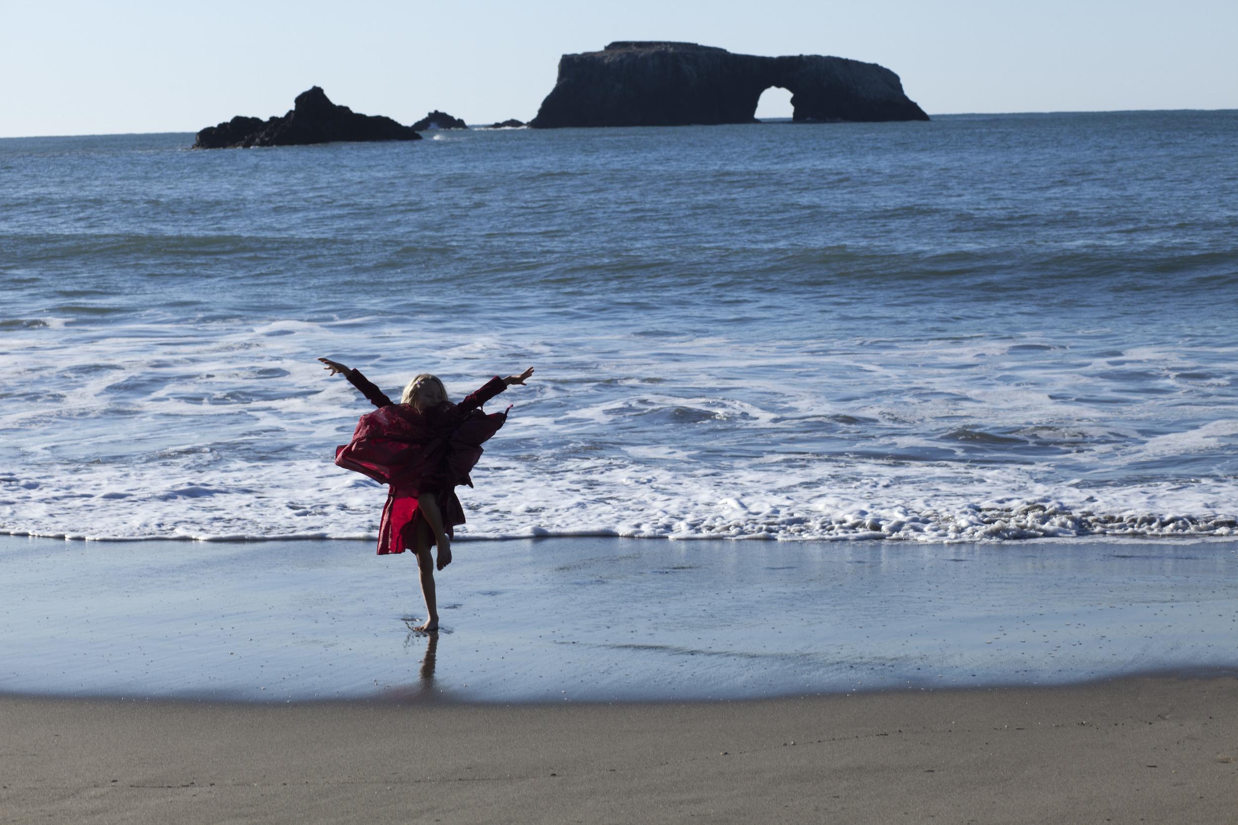 Phoebe on the Beach_MG_8715-nocrop.jpg