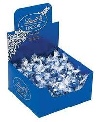 Lindt Lindor Blue Chocolate Balls 1kg.jpg