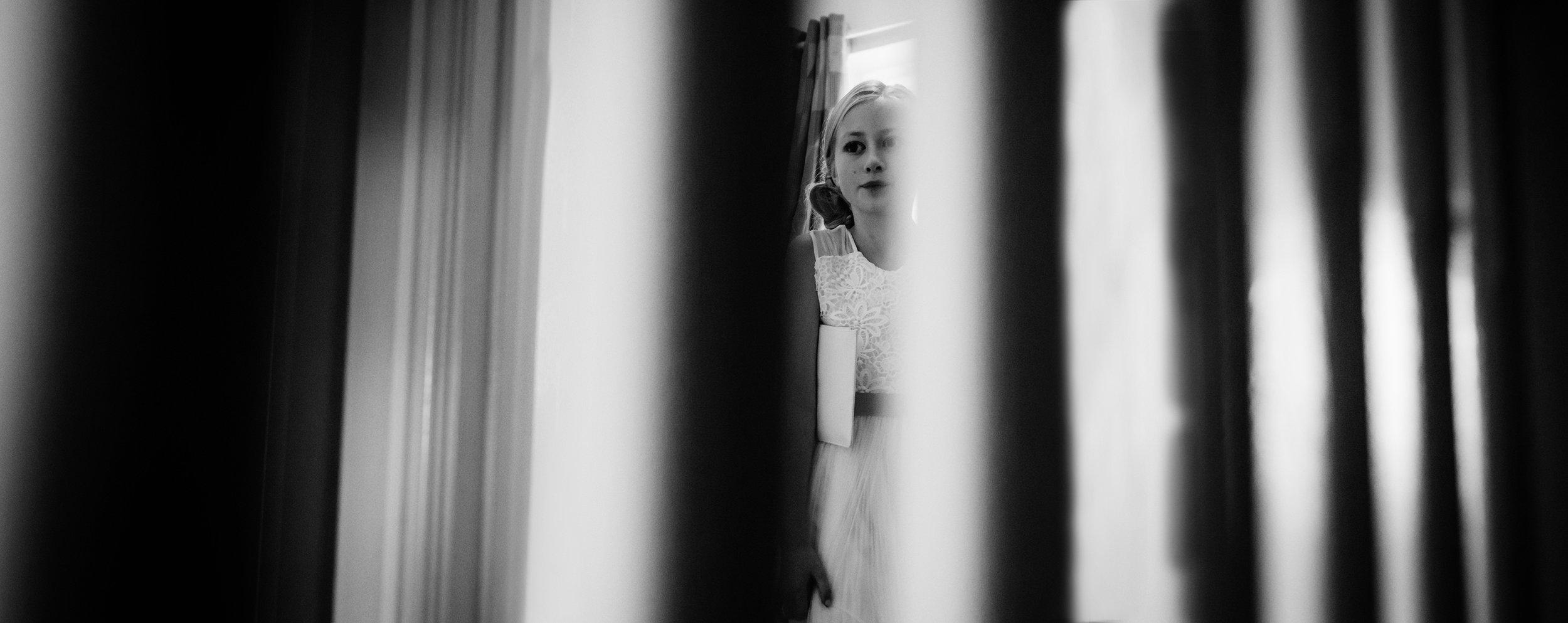 A bridesmaid through the stairs