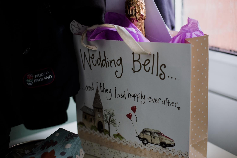 Wedding present gift bag