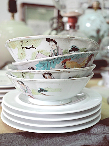 STACKED WHITE BOWLS.jpg