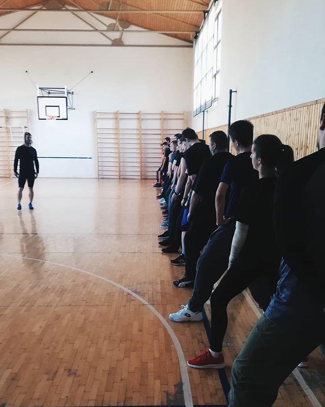 Včera sa konal prvý tréning nováčikov!⚔️👧🏻👦🏻 Účasť bola naozaj veľká.👍🏻 KTO NESTIHOL PRVÝ TRÉNING nezúfajte!😊 Môžete sa ku nám stále pridať už vo štvrtok o 17:00 v telocvični na ZŠ Gorkého tu v Trnave.💪🏻
