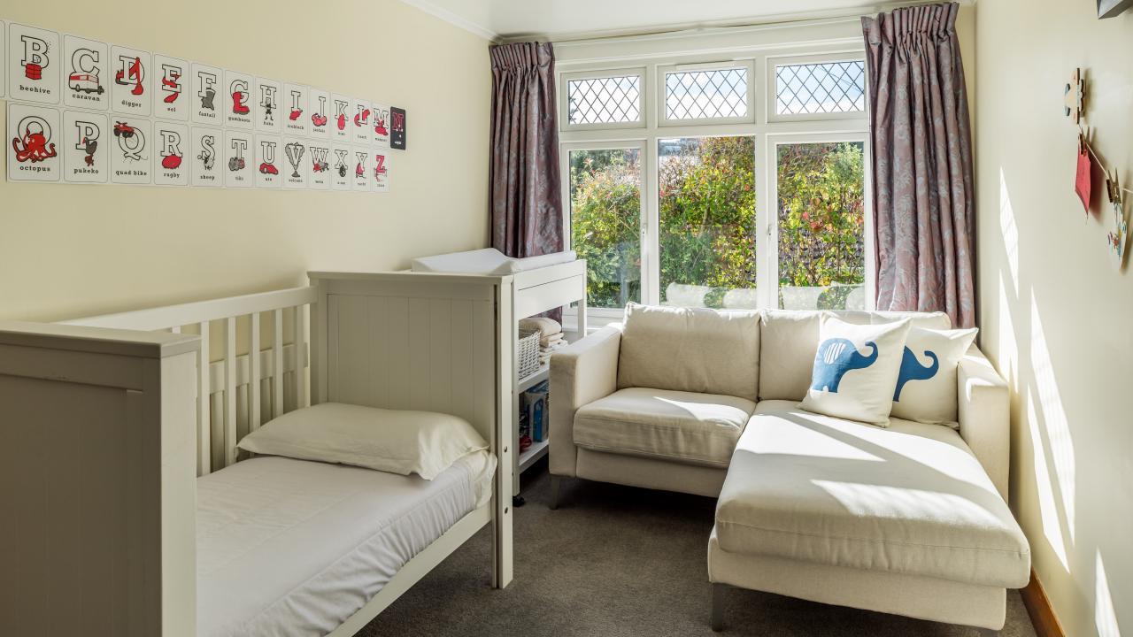 30 Izard Road kids bedroom.jpg