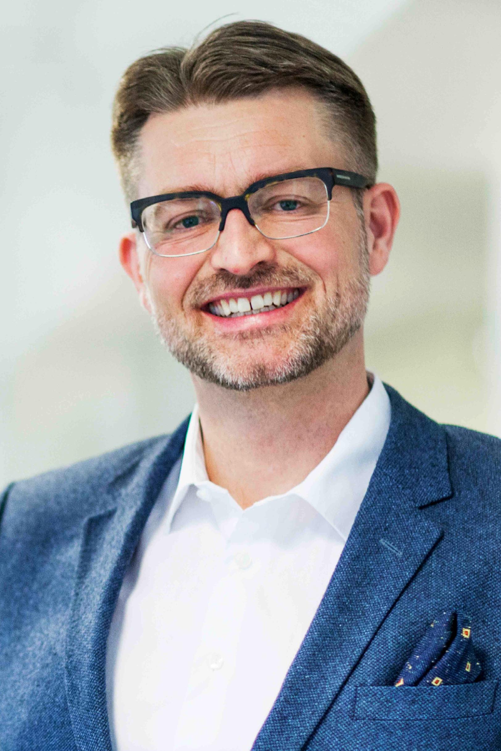 Lasse Hamre , Strategy Director / Partner,  Bokstavenk