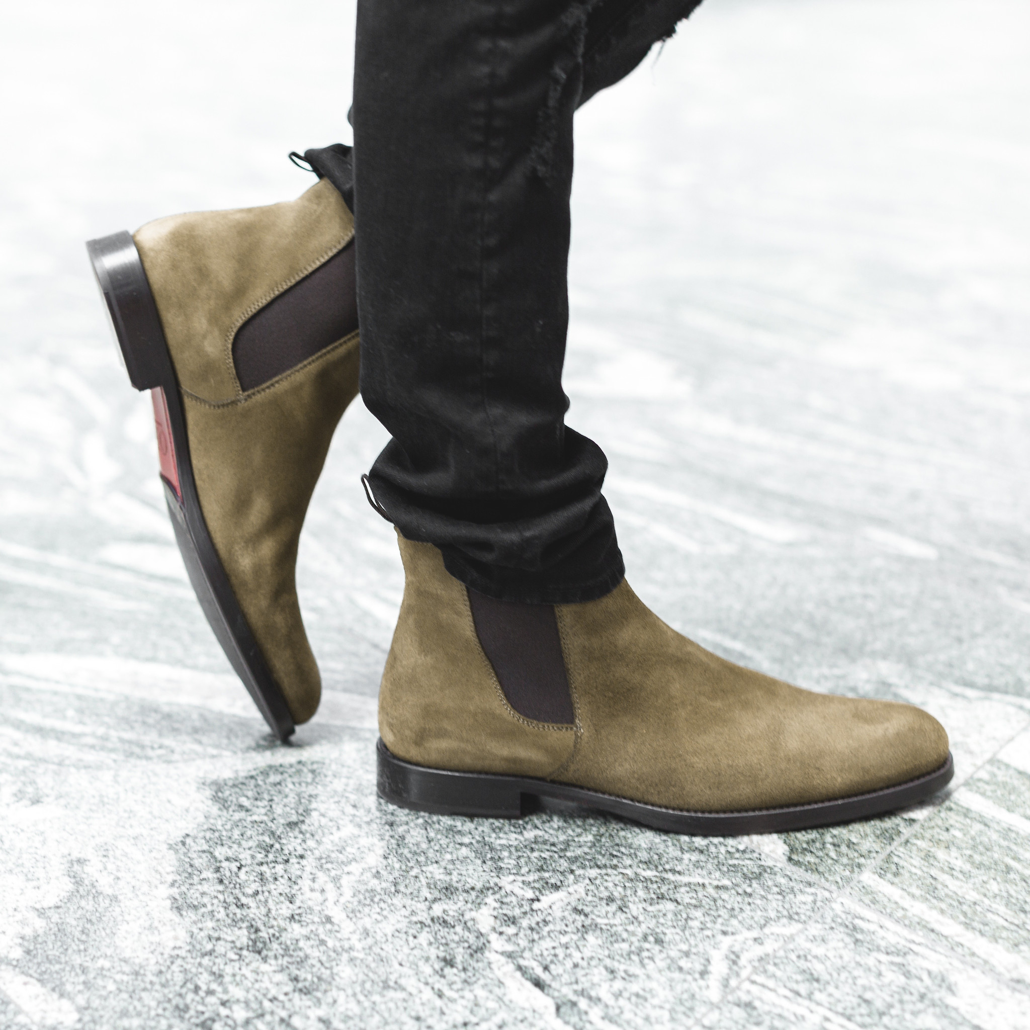 rolosangeles.com:产品:the-olive-suede-chelsea-boots4.jpg