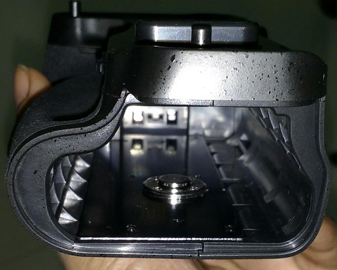 Meike Battery Grip with internal metal plate