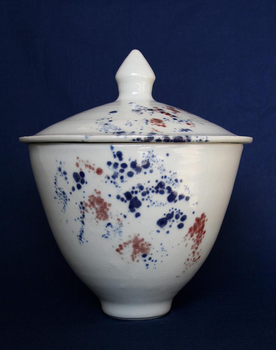 boîte en porcelaine, blanc tacheté