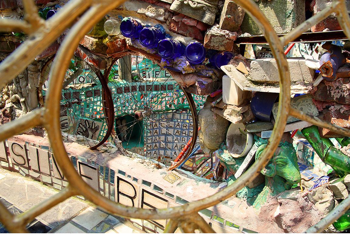 Philadelphias-Magic-Gardens-2.jpg