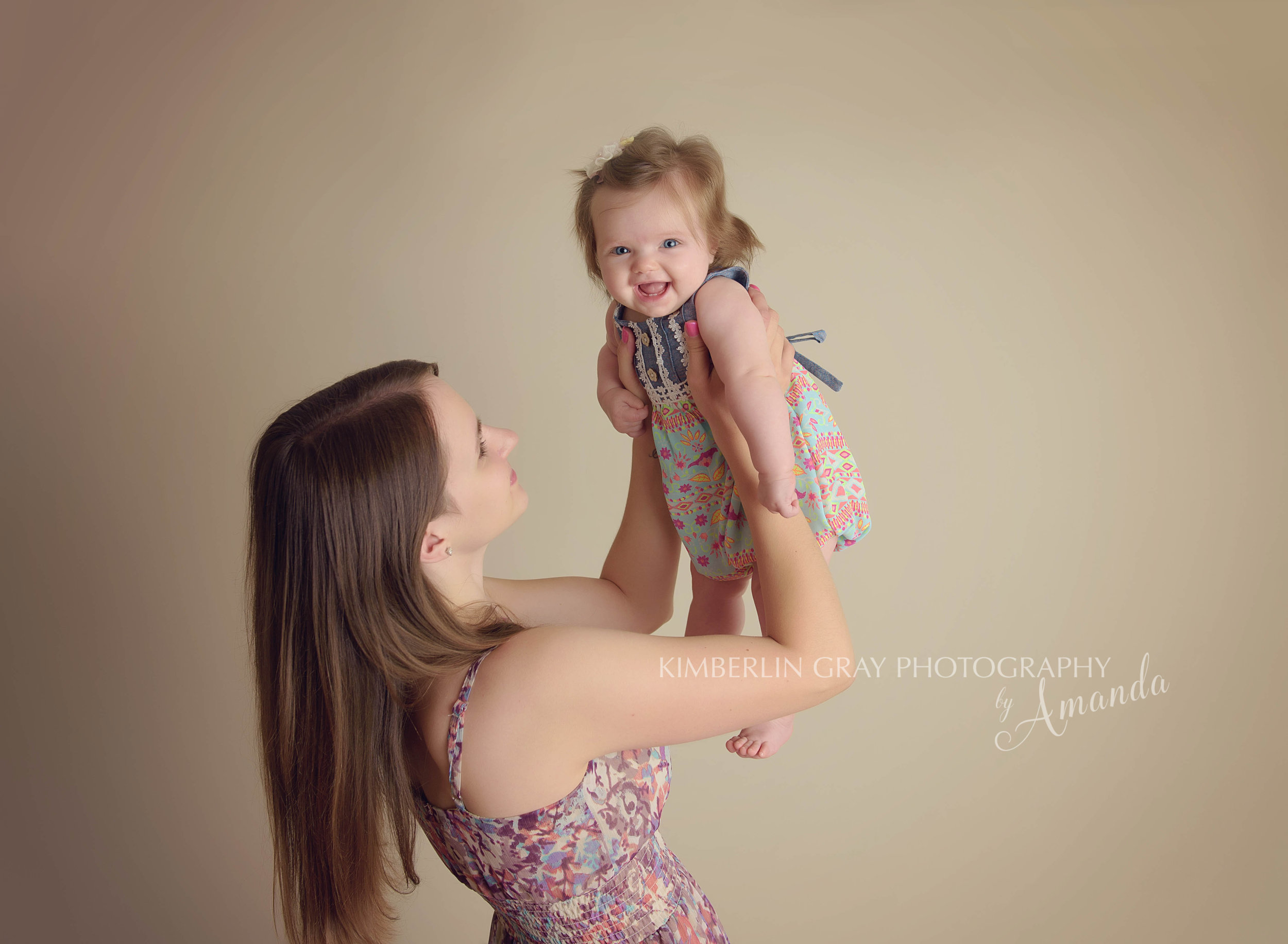 mom and baby photographer virginia beach