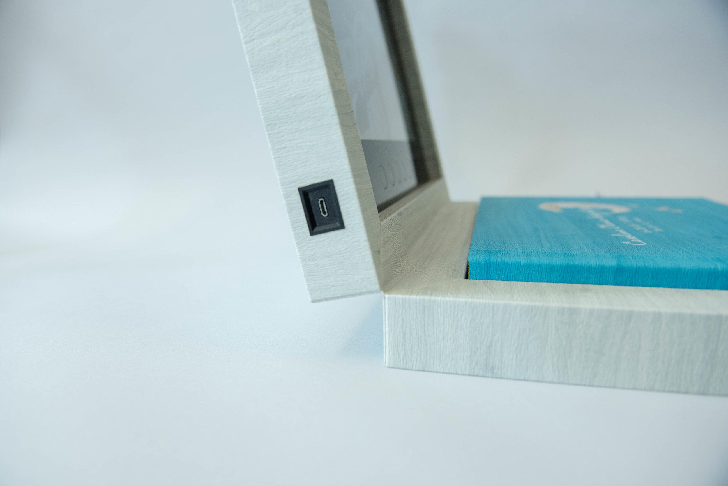 MovBook-7337.jpg