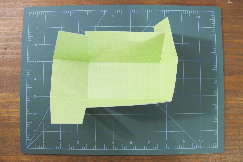 start folding & taping