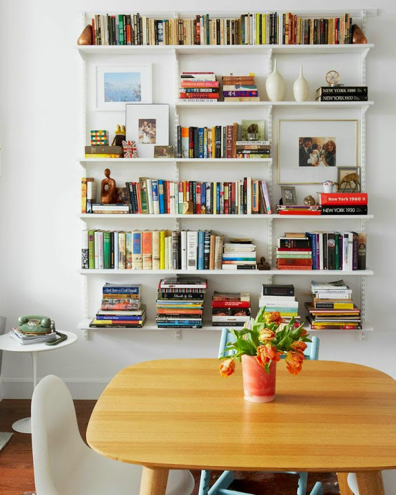 salle-a-manger-deco-biblio-table.jpg