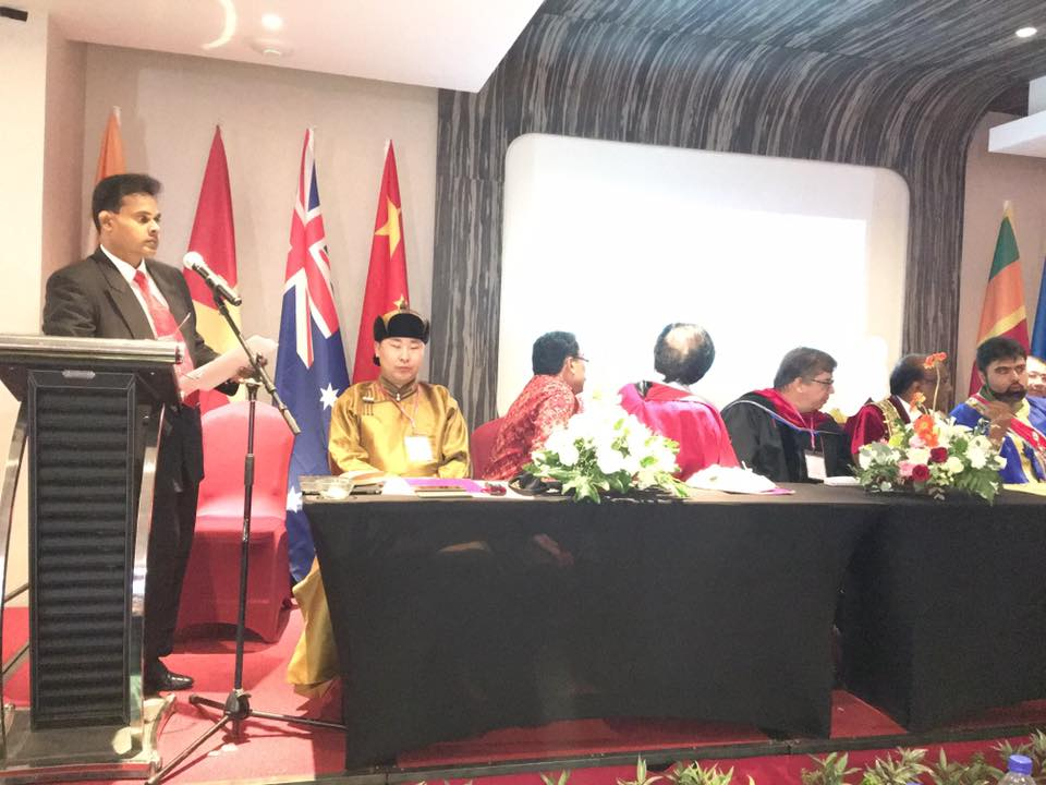 Dr Saman Hettige at the International Health Care Award Ceremony 2017