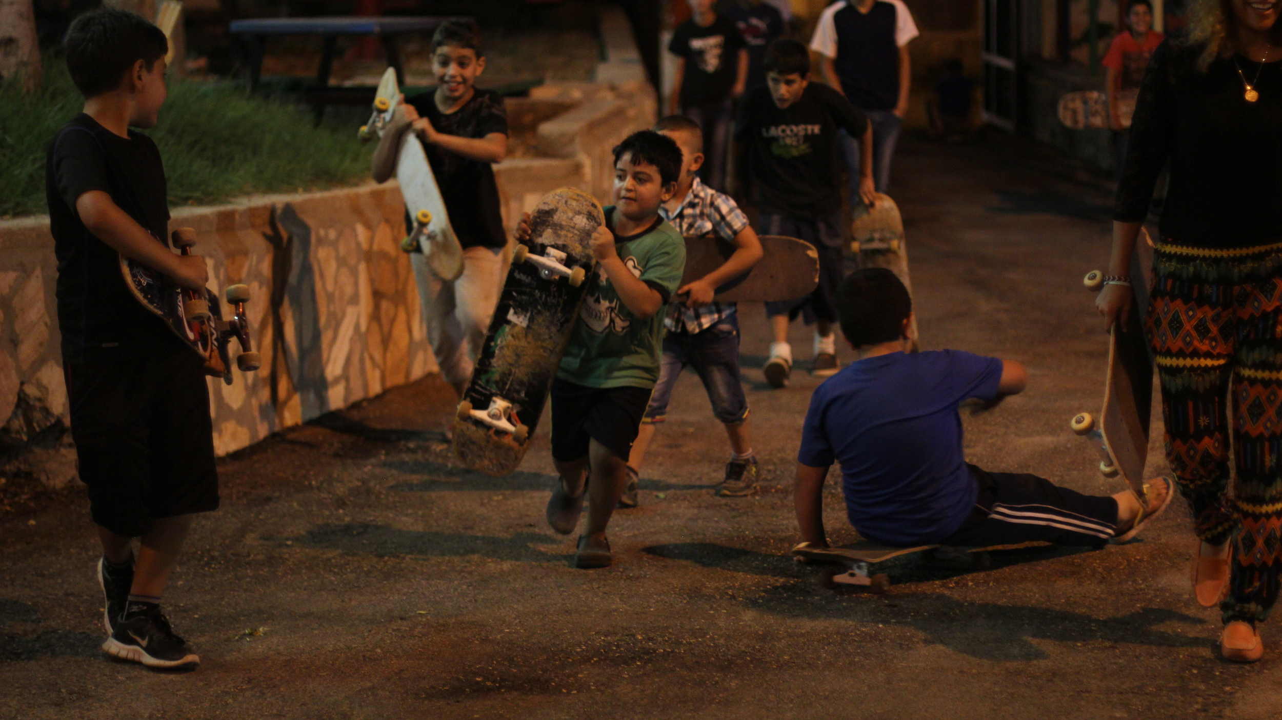 Maen hosting SkatePAL classes in Ramallah