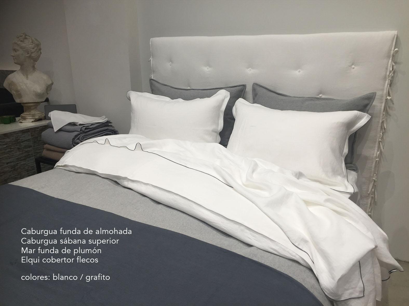 7. Colomba Living Bed description es .jpg