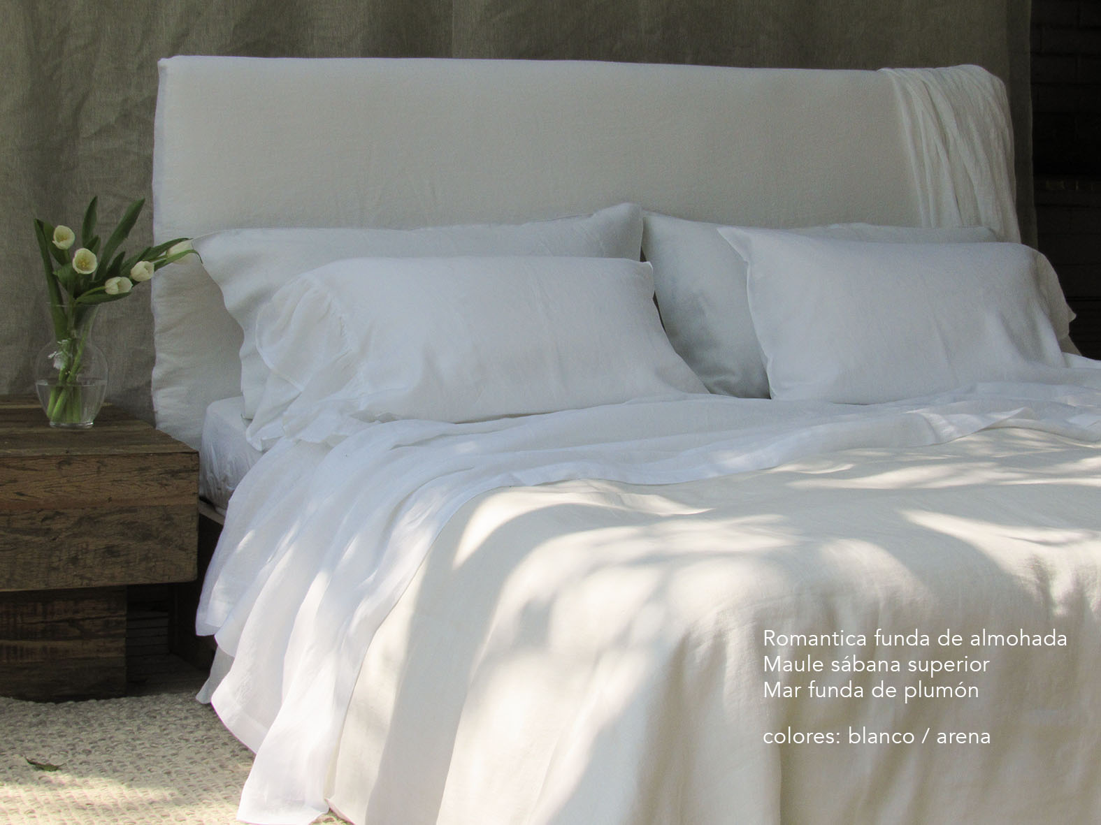 11. Colomba Living Bed description es .jpg