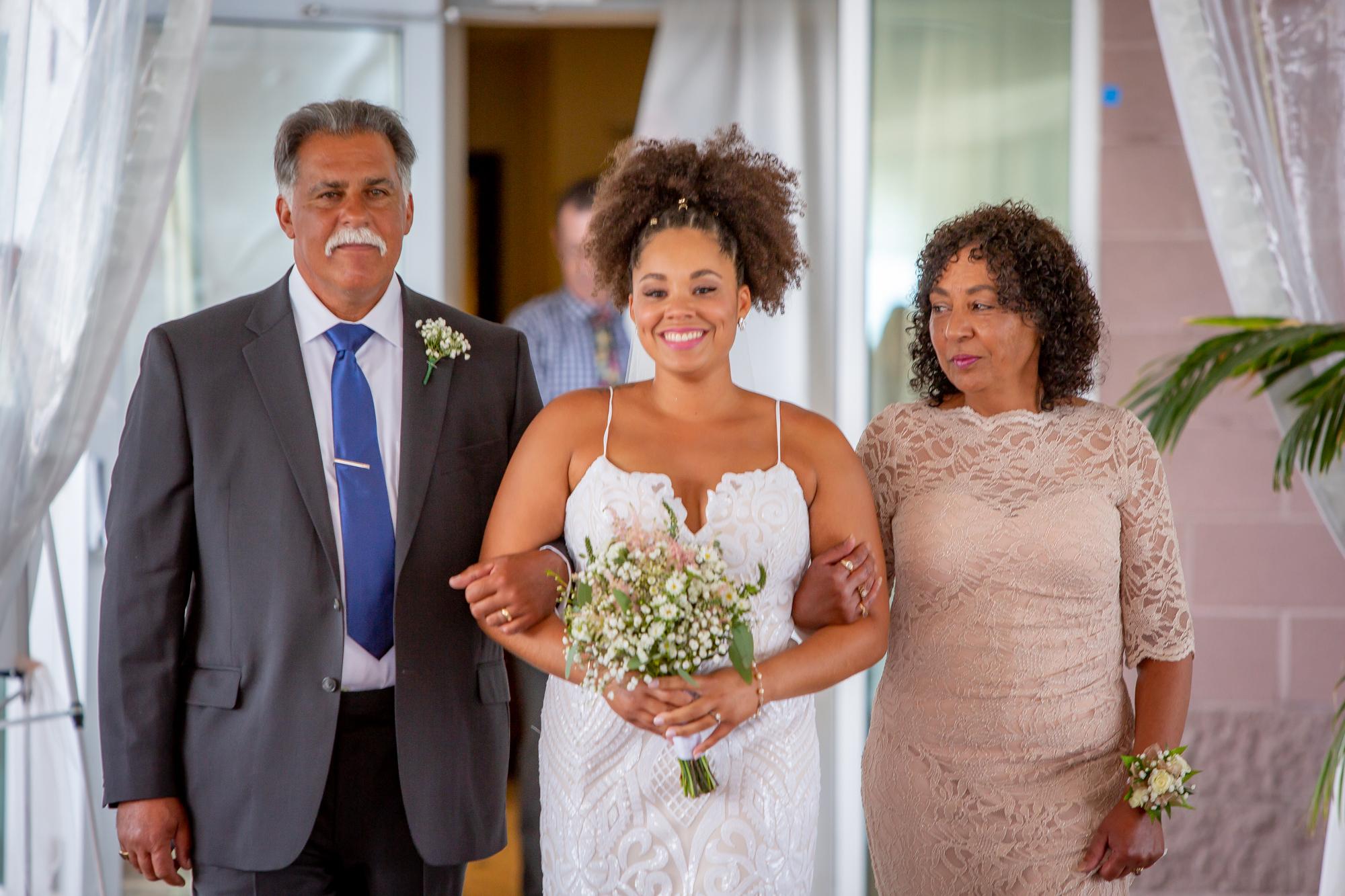 Ramada-Inn-Geneva-NY-Wedding-8002.jpg