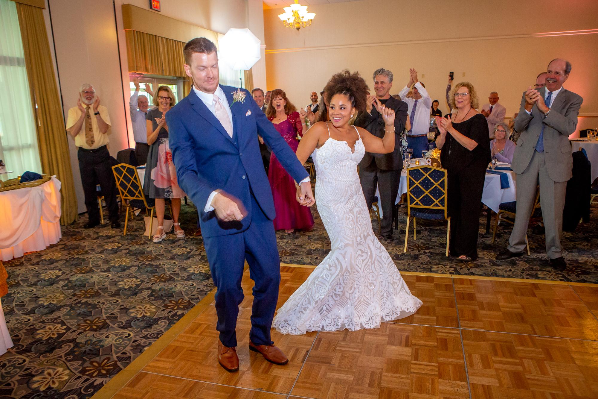 Ramada-Inn-Geneva-NY-Wedding-8428.jpg