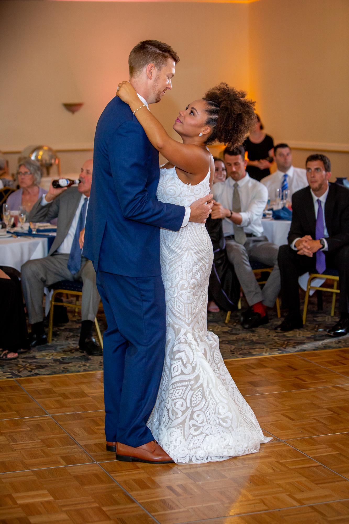 Ramada-Inn-Geneva-NY-Wedding-8459.jpg
