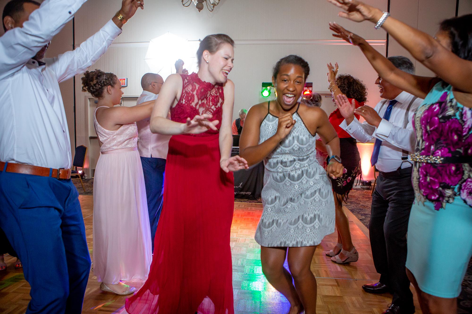 Ramada-Inn-Geneva-NY-Wedding-8805.jpg