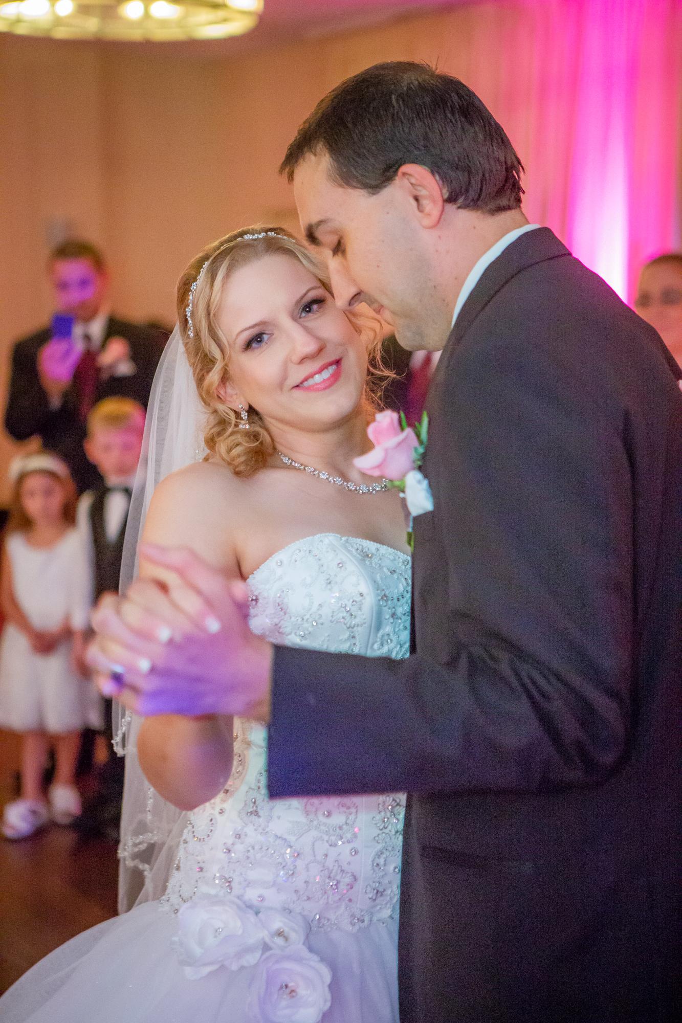 Holiday-Inn-Elmira-NY-Wedding-8097.jpg