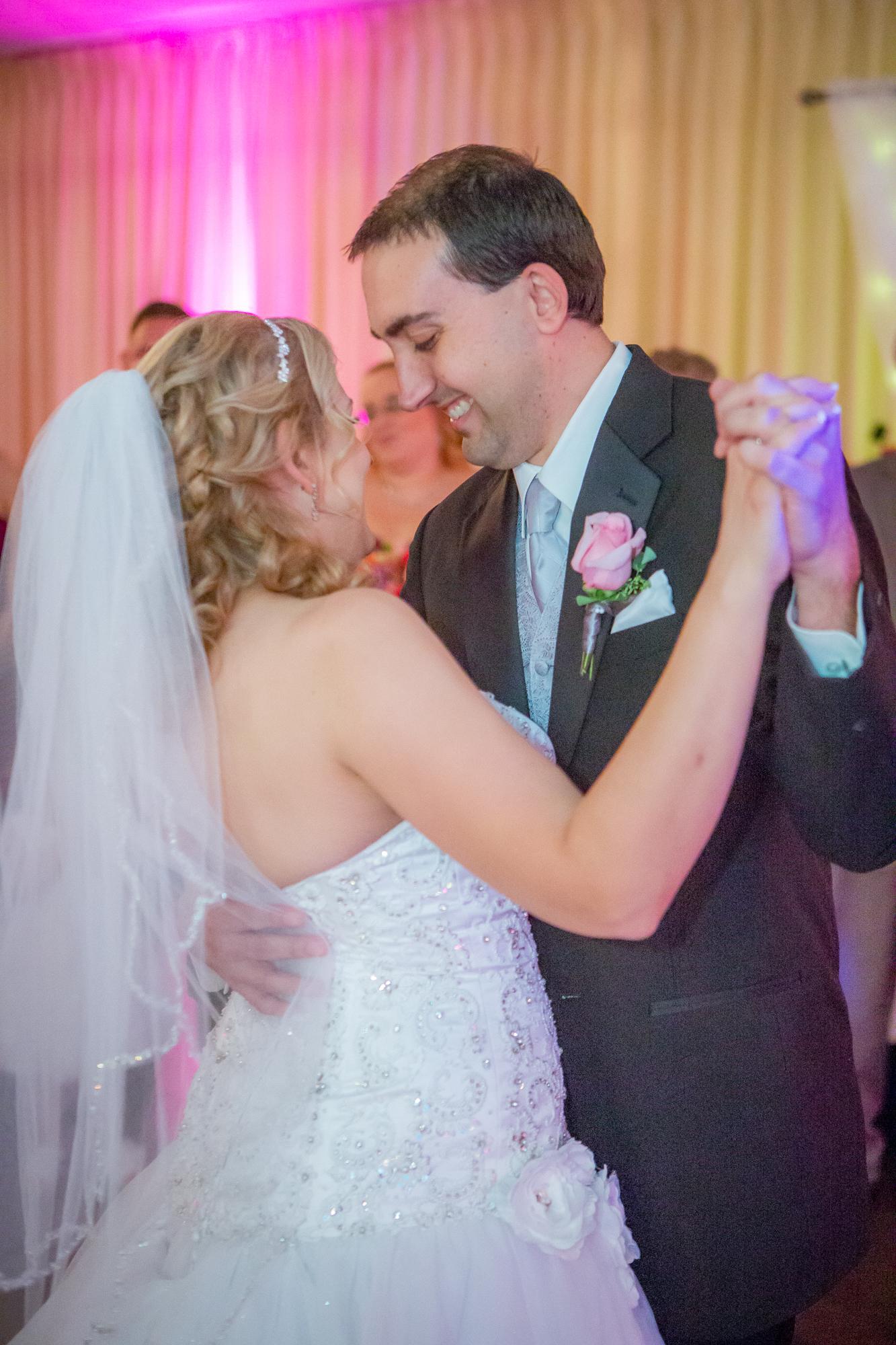 Holiday-Inn-Elmira-NY-Wedding-8099.jpg