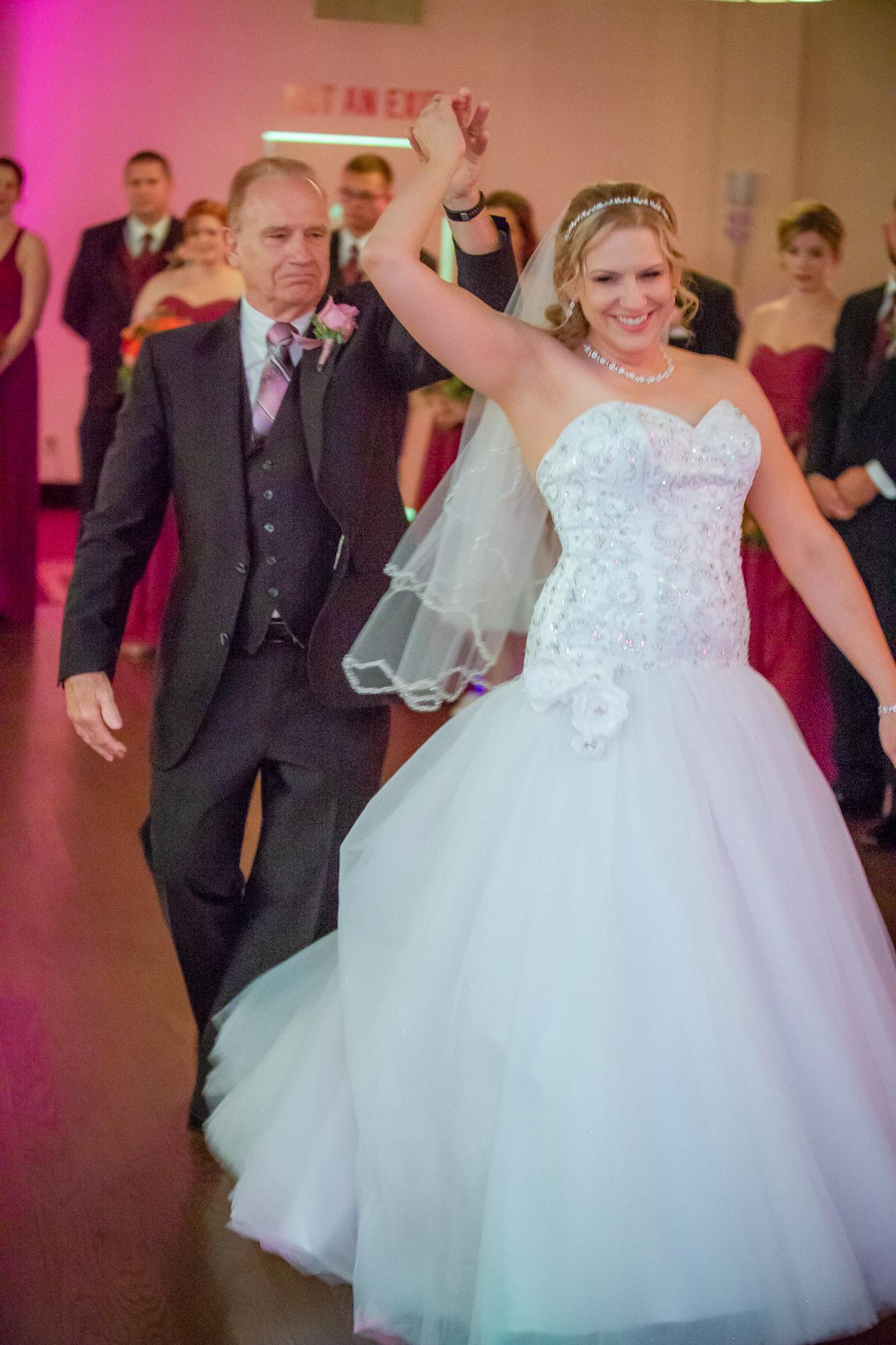 Holiday-Inn-Elmira-NY-Wedding-8147.jpg