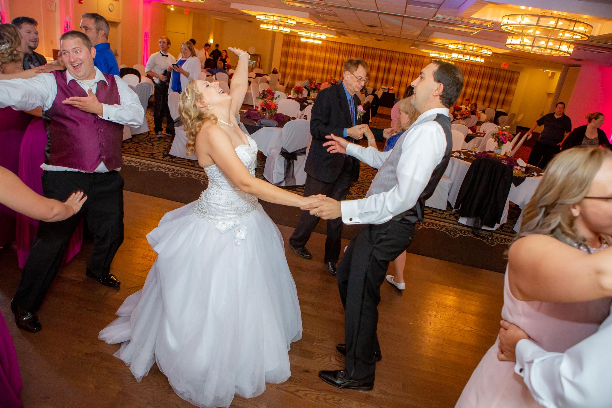 Holiday-Inn-Elmira-NY-Wedding-8565.jpg