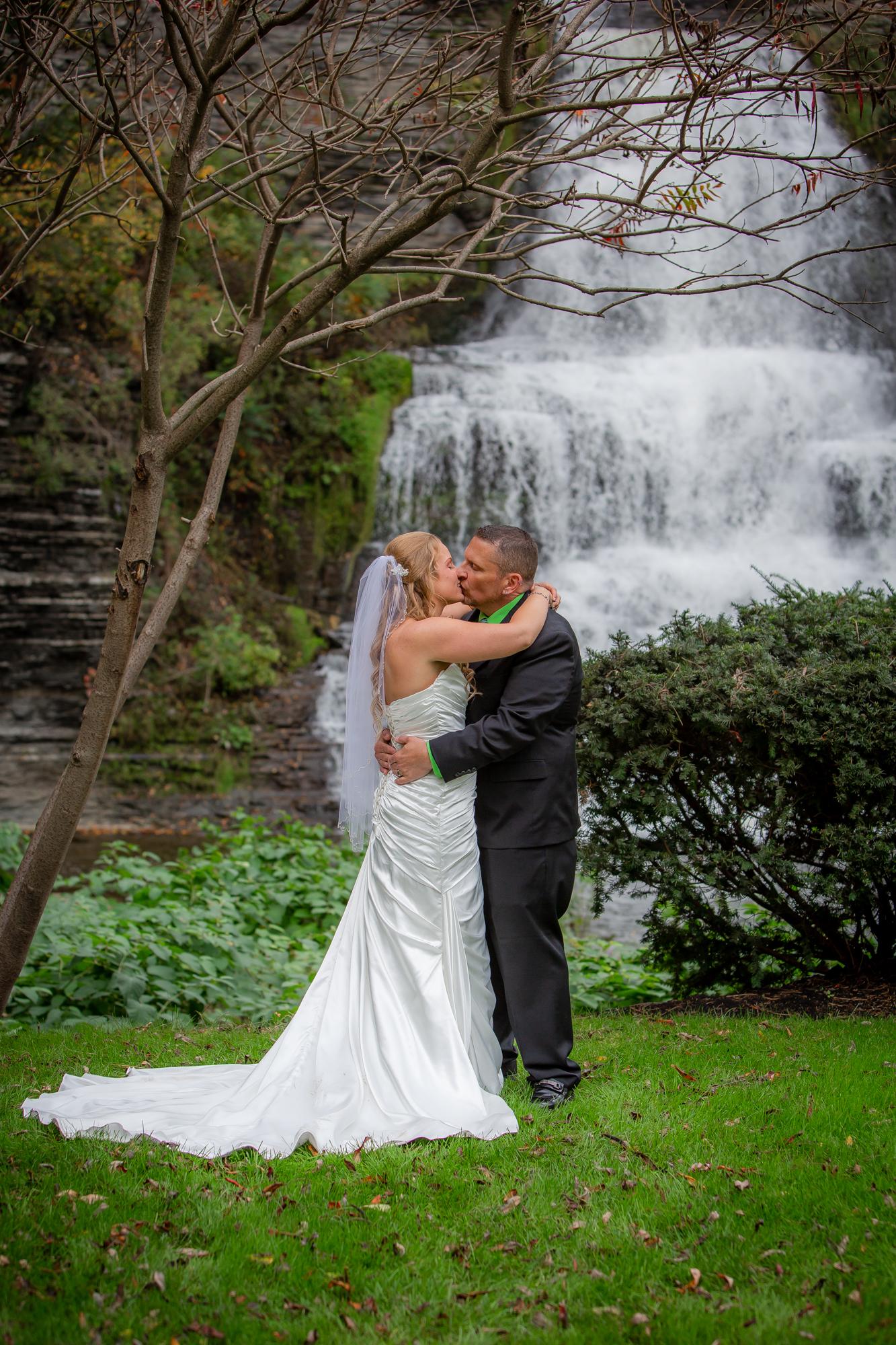 Raddison-Hotel-Corning-NY-Wedding-4260.jpg