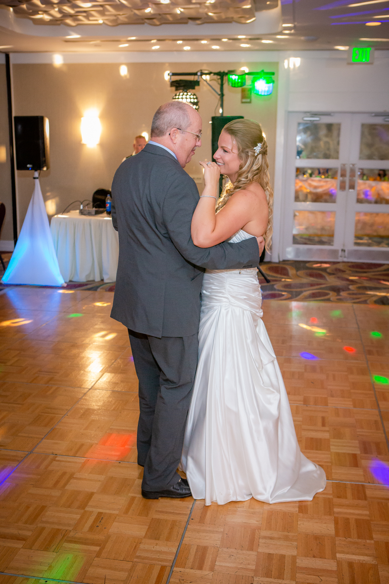 Raddison-Hotel-Corning-NY-Wedding-4427.jpg