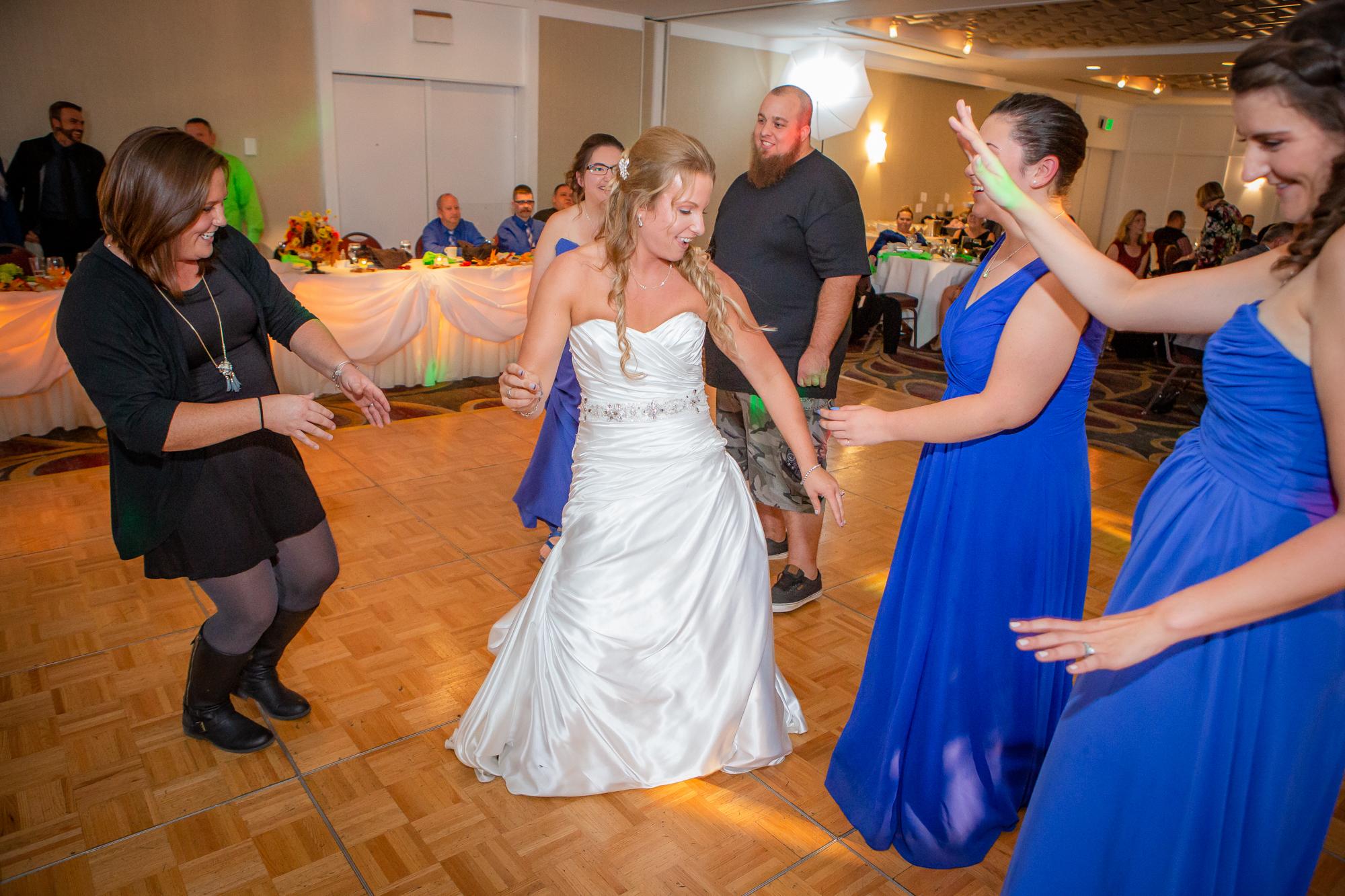 Raddison-Hotel-Corning-NY-Wedding-4723.jpg