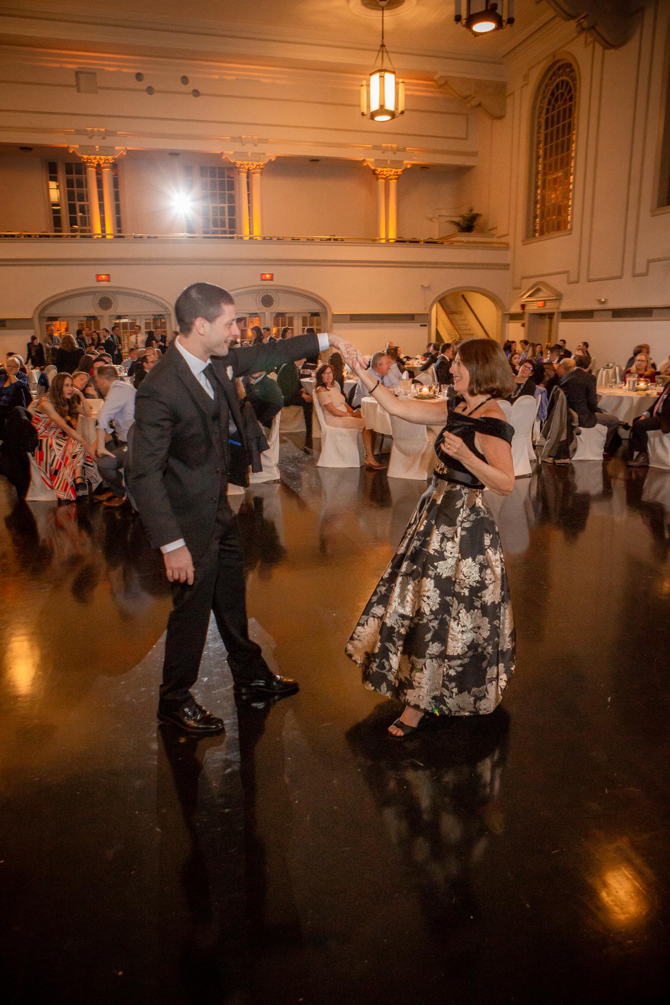 Harro-East-Theatre-and-Ballroom-wedding-8133.jpg